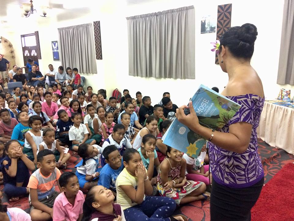 Samoa 21-001 Miss Samoa 2018 reading to school children, Credit - Jane Vaafanga